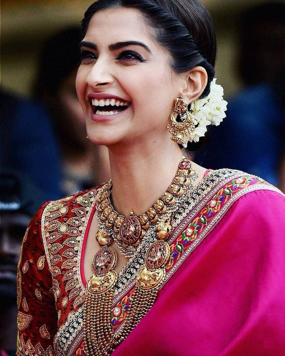 sonam kapoor in embroidery work blouse design
