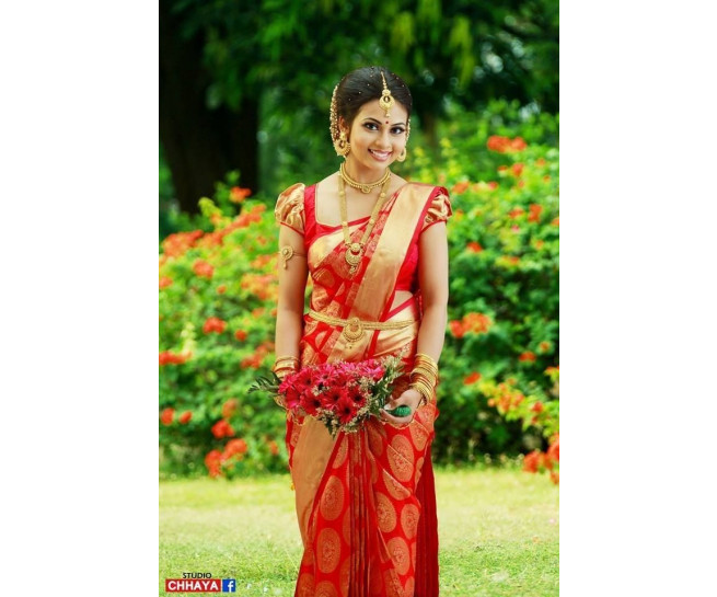 00KANCHI3500PERU37 - chilli red kanchipuram silk saree in chakra flower design