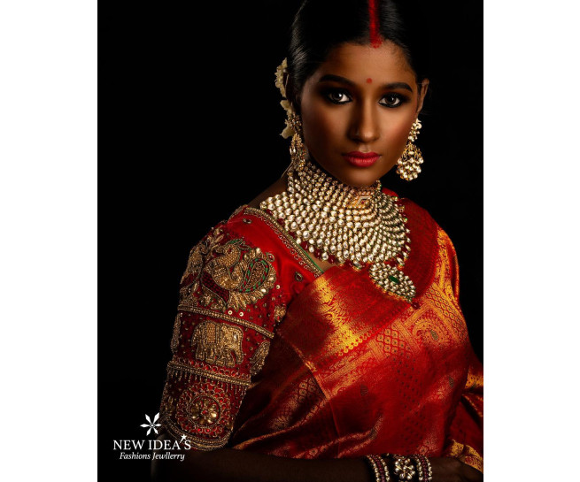 00KANCHI3500PERU41 - red kanchipuram saree in butta design with green eye