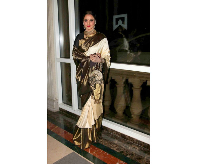 00991 Offwhite indian wedding saree