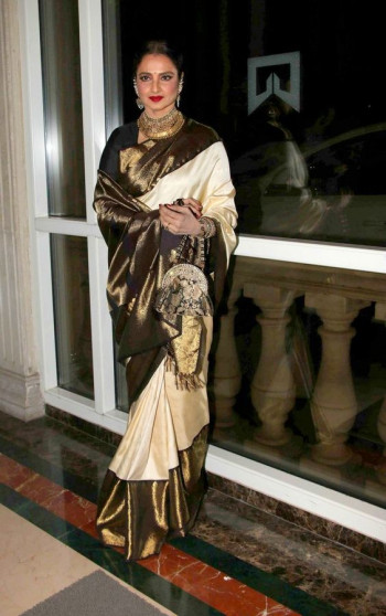 000BRID4006130 - Offwhite wedding silk saree in contrast black zari border