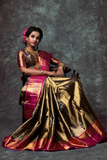 000KANCHI3800KAN6 - Black gold  kanchipuram silk saree in rose border