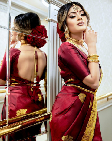 000KANCHI3900PERU36 - Dark maroon kanchipuram silk saree in scattered buttas