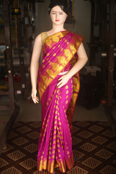 000KANCHI4434AKN9 - magenta kanchipuram saree in gold zari border