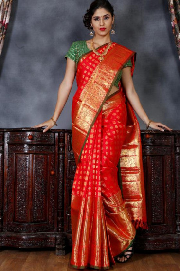 000BRID4004D - Chilli red wedding saree in 18 inches border with green edge lining border