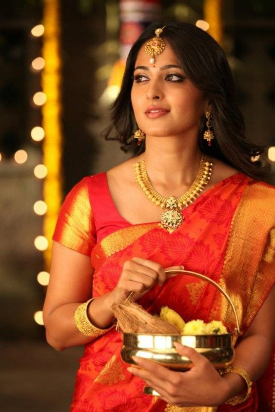 Anushka shetty wedding silk sarees blose design