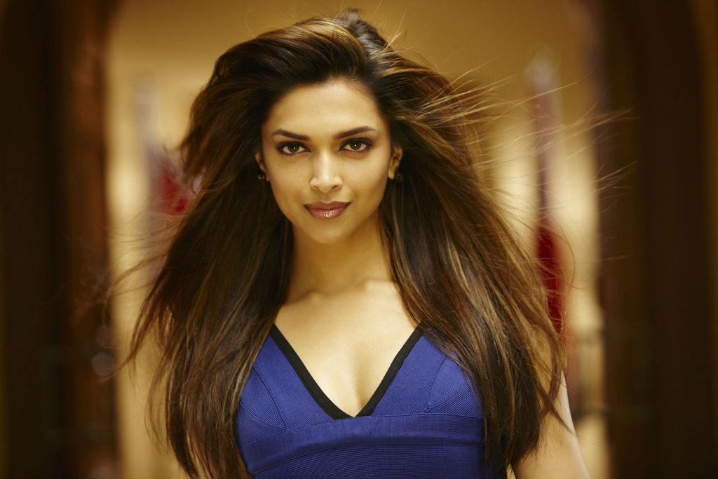 deepika padukone hot blouse